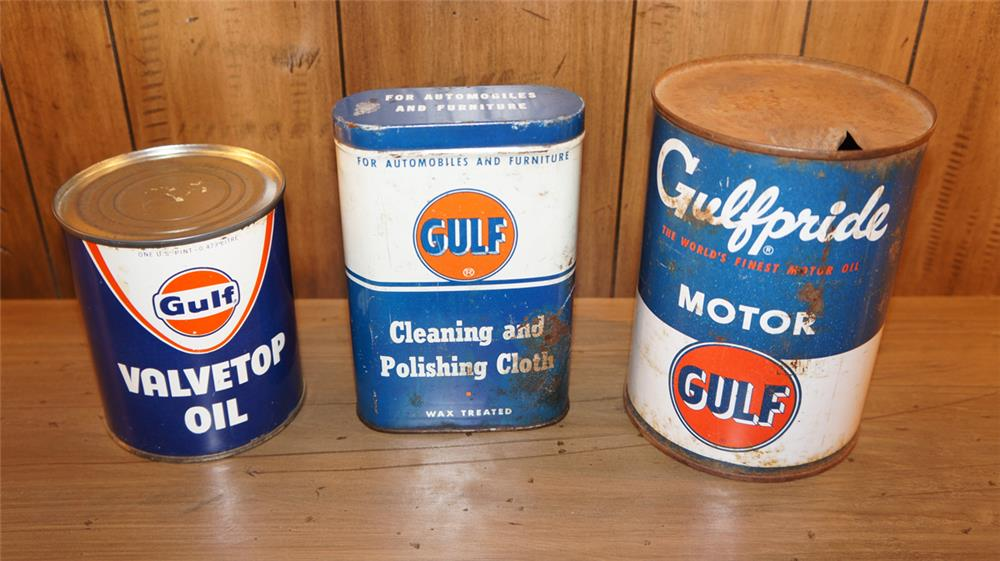 Lot of three vintage Gulf Oil tins circa 1950's-60's. - Front 3/4 - 180135