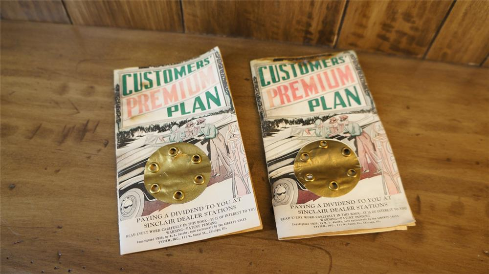 Lot of two 1920's-30's Sinclair Oil premium plan coupon book. - Front 3/4 - 180144