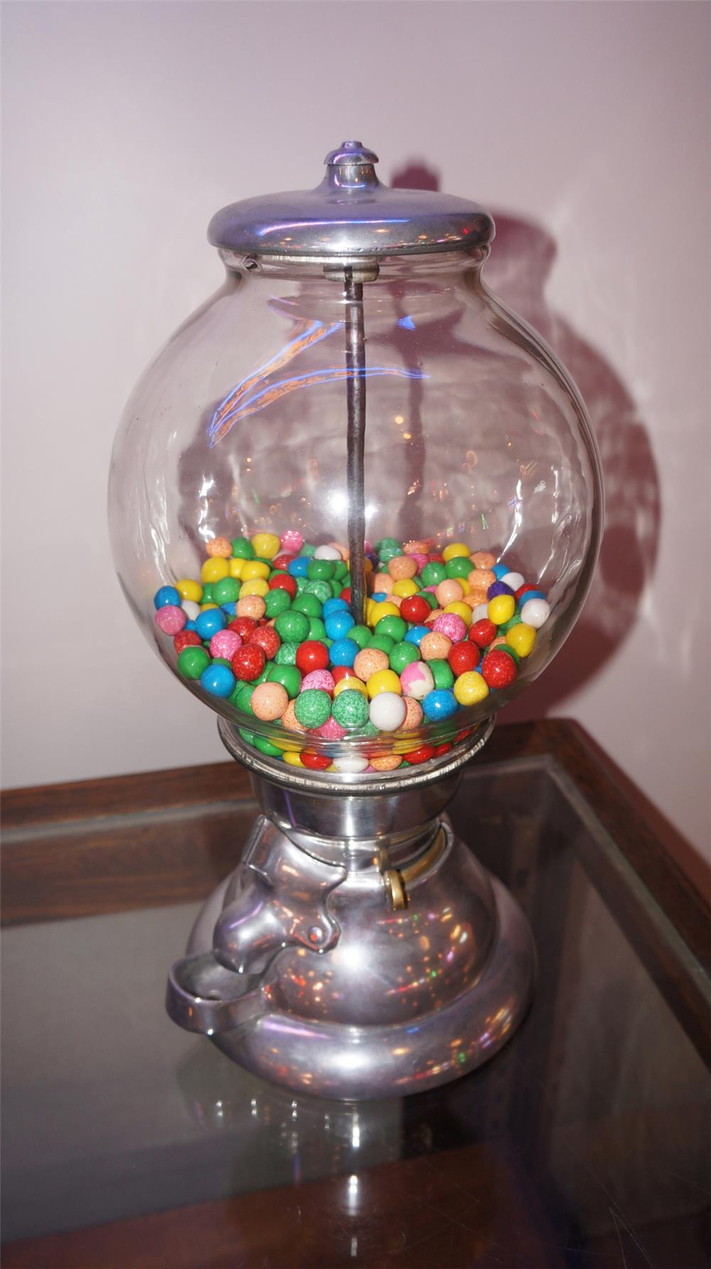 1930's one cent alloy gum ball machine with glass globe. - Front 3/4 - 180218