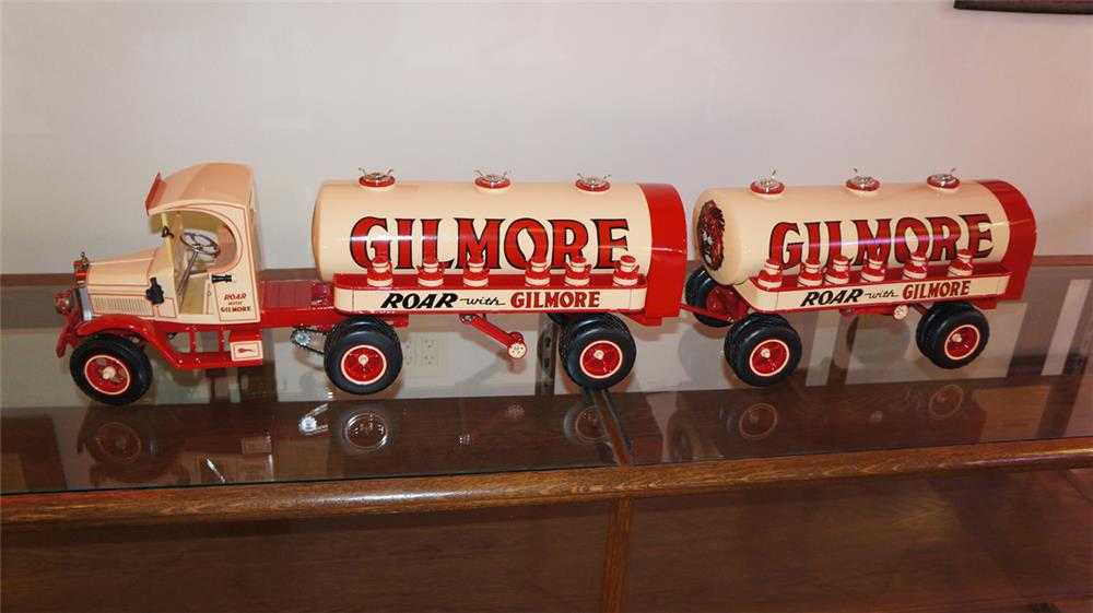 Large Gilmore Oil vintage tanker truck hand-built 1/8 scale model. - Front 3/4 - 180250