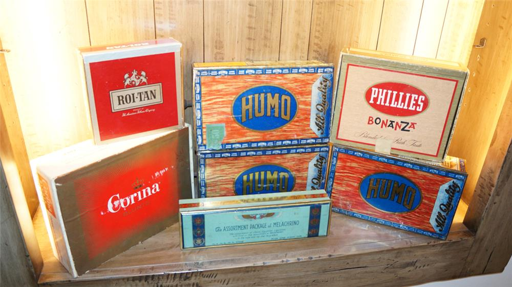 Lot of seven vintage cigar boxes (some made of tin). - Front 3/4 - 180309