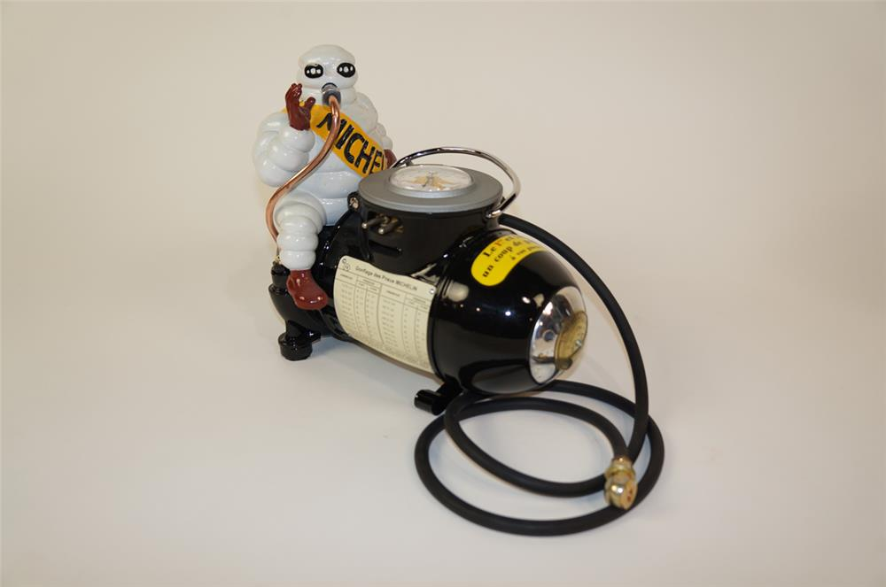 1930's restored Michelin portable air compressor featuring Bibendum (Michelin Man). - Front 3/4 - 181906