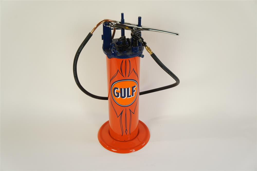 Late 1920's-30's unusual Gulf Oil three gallon hand crank greaser. - Front 3/4 - 181911