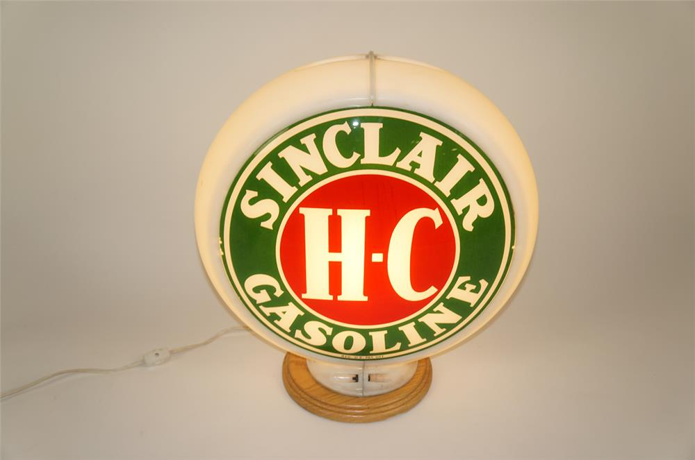 Choice late 1940's HC Sinclair Gasoline gas pump globe in a Capcolite body. - Front 3/4 - 181990