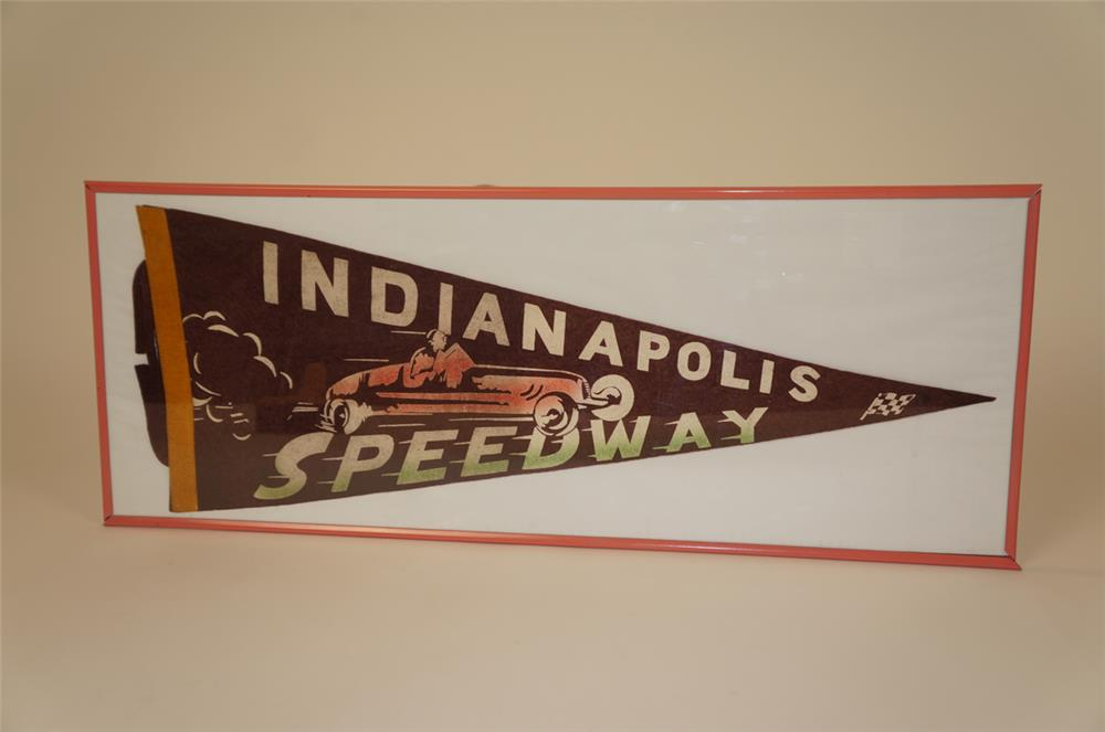 1940's Indianapolis Speedway souvenir racing pennant - Front 3/4 - 182251