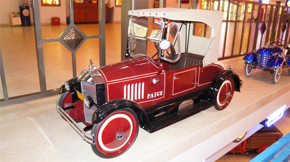 Stunning 1924 Paige American National Roadster pedal car. - Front 3/4 - 182355