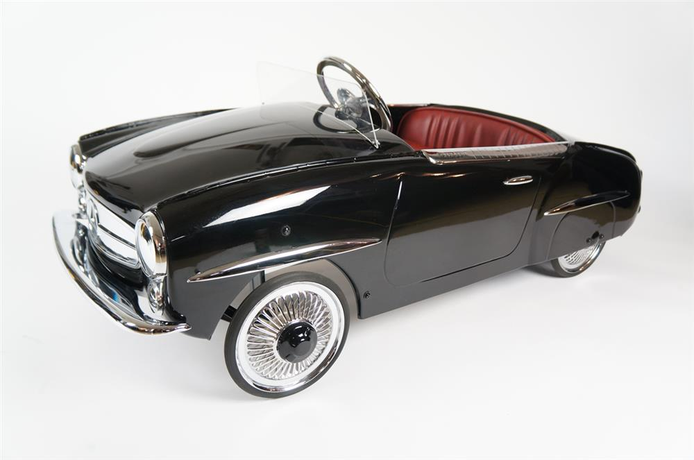 Exquisite 1950s Mercedes 190 SL restored pedal car by Ferbedo. - Front 3/4 - 184511