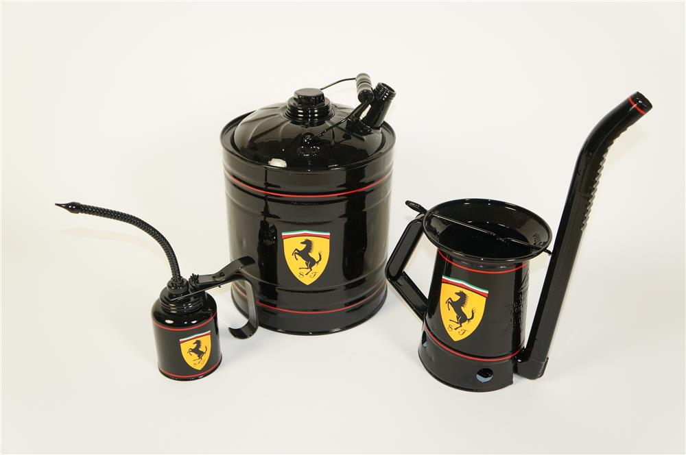 Lot of three 1930s-50s service department oilers and multi-fluid cans restored in Ferrari regalia. - Front 3/4 - 184654