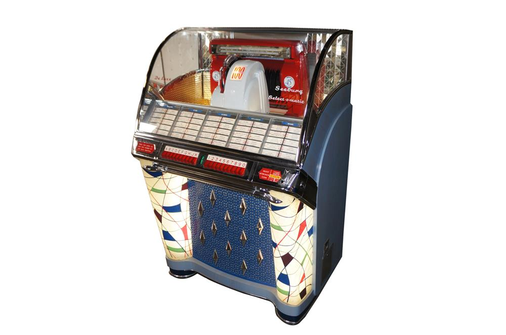 Killer 1953 Seeburg W restored diner juke box. - Front 3/4 - 184684