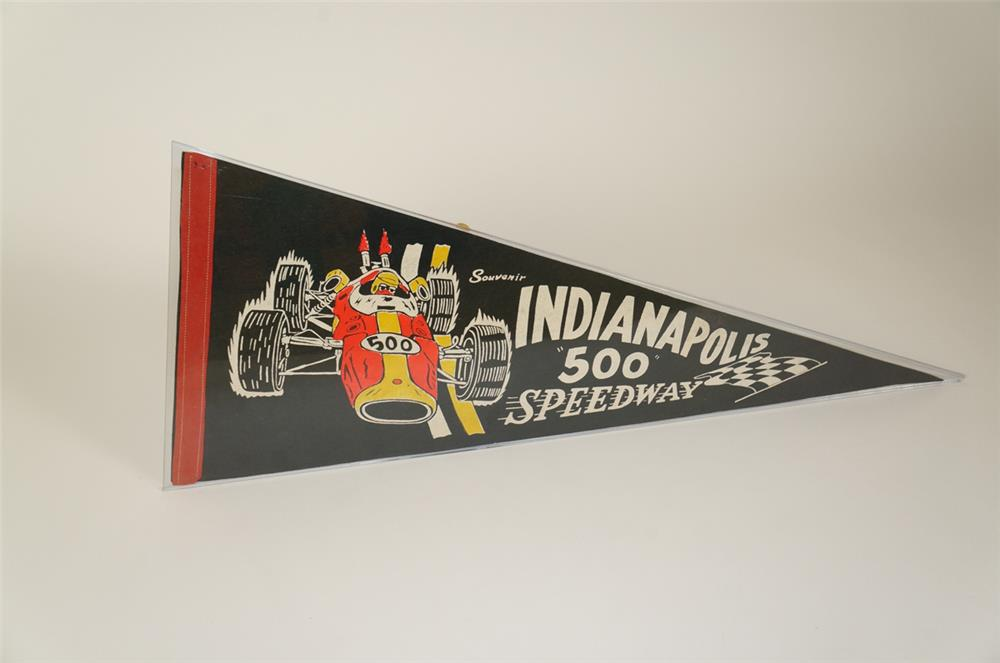 Tremendous 1960's Indianapolis 500 Speedway racing pennant with choice graphics and colors. - Front 3/4 - 184715