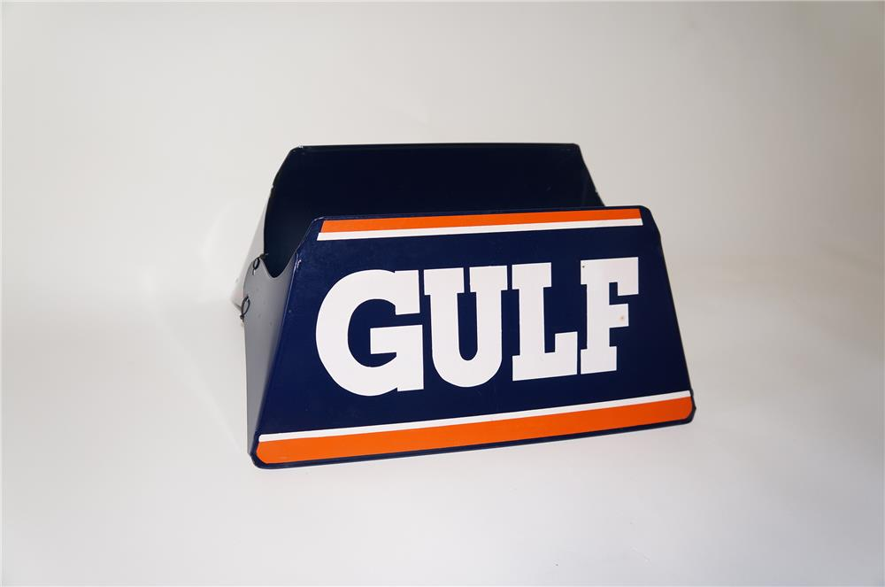 Addendum Item- Choice NOS 1950s-60s Gulf Tires service station metal tire display. - Front 3/4 - 185346