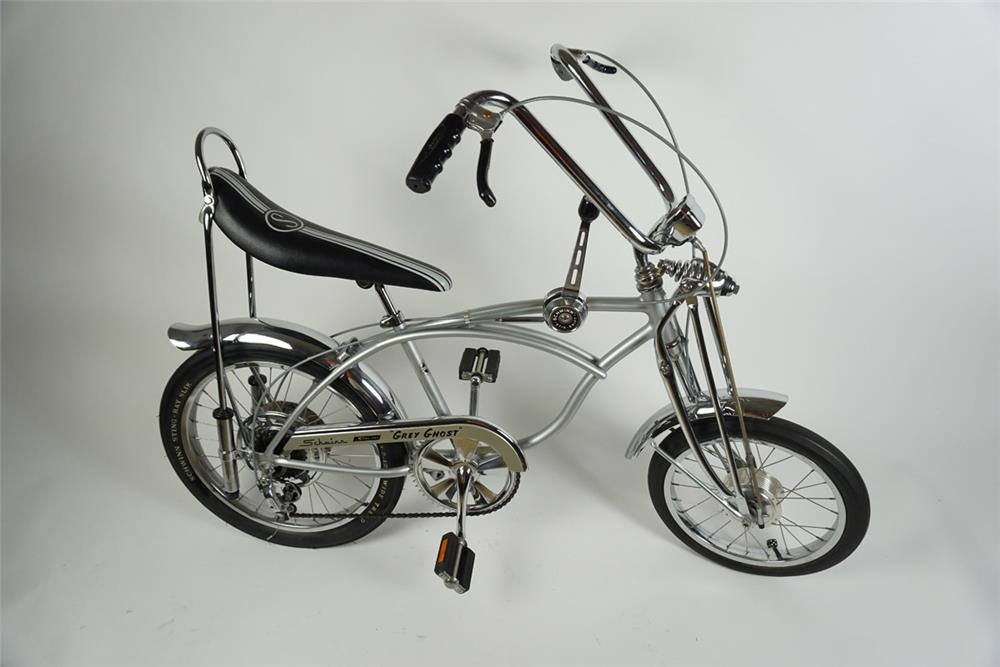 """Stunning Schwinn 1971 """"Grey Ghost"""" Sting Ray krate 5 speed bicycle. - Front 3/4 - 186267"""