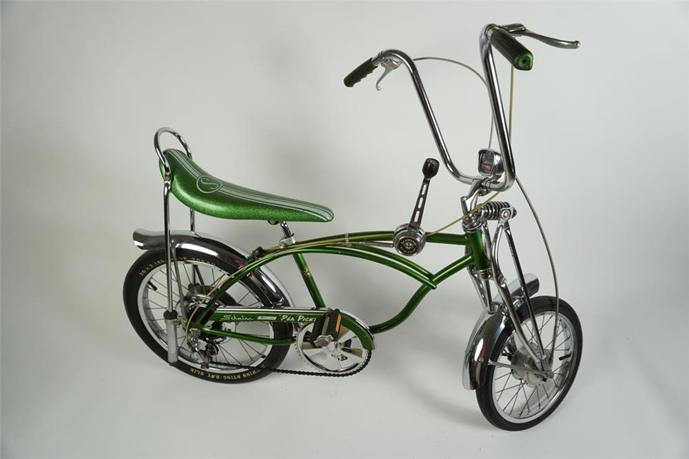 "Hard to find Schwinn 1972 ""Pea Picker"" Sting Ray krate 5 speed bicycle. - Front 3/4 - 186268"