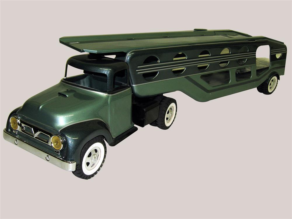 Fabulous 1950s Tonka car transport truck wonderfully restored in a two tone paint with clear coat. - Front 3/4 - 186335