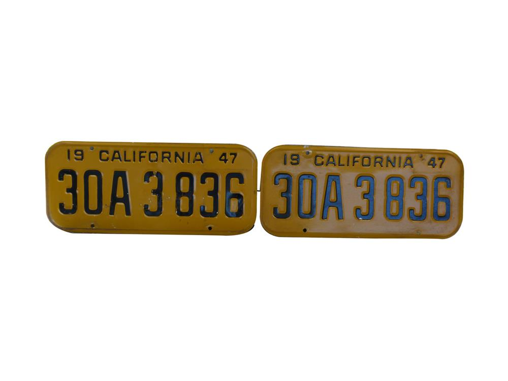 Nice set of 1947 California embossed metal license plates. - Front 3/4 - 186398