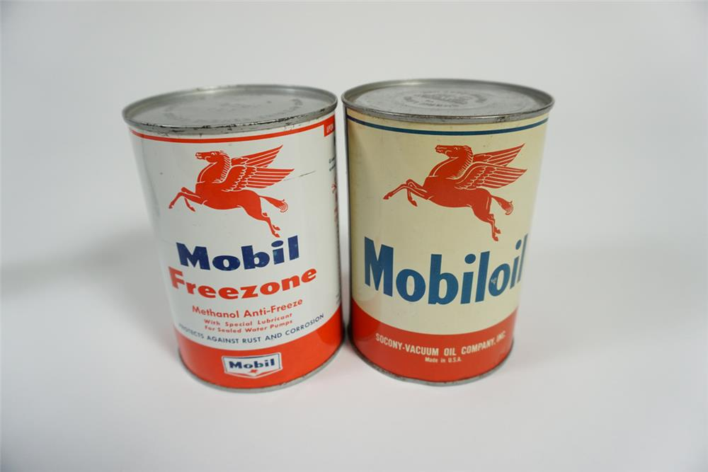 Lot of two 1950s Mobil Oil quart tins for Mobil Oil and Mobil Feezone. - Front 3/4 - 187720