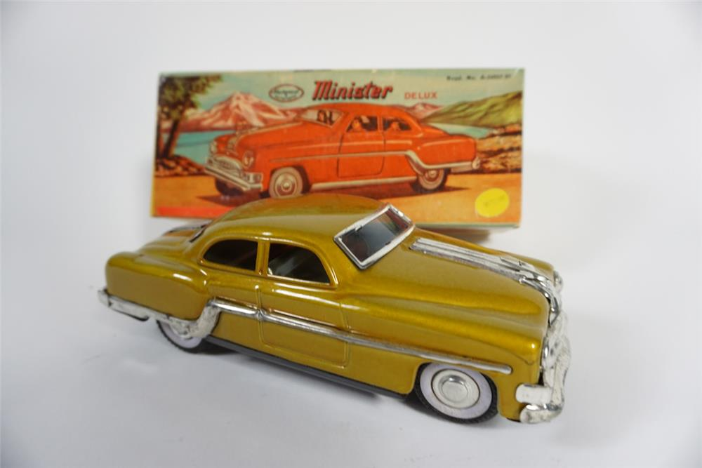 "Nifty 1950s Minister Deluxe ""Buick"" friction drive tin litho toy car still in the original box. - Front 3/4 - 187763"