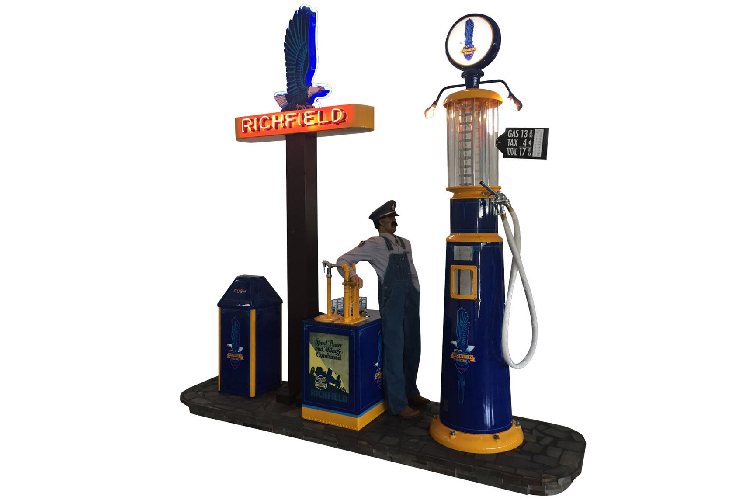 Spectacular 1920s-30s Richfield Oil Life-sized gas station diorama. - Front 3/4 - 187884