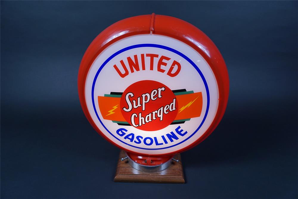 Rare 1940s United Super Charged Gasoline gas pump globe in a Capcolite body. - Front 3/4 - 190686