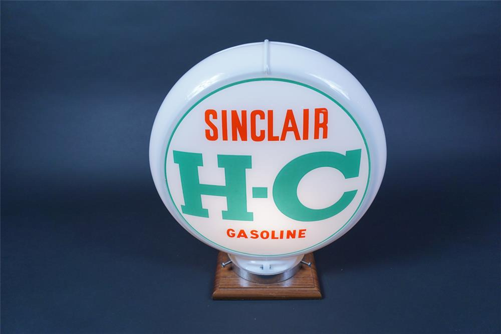 NOS H-C Sinclair Gasoline gas pump globe in a Capcolite body. - Front 3/4 - 190694