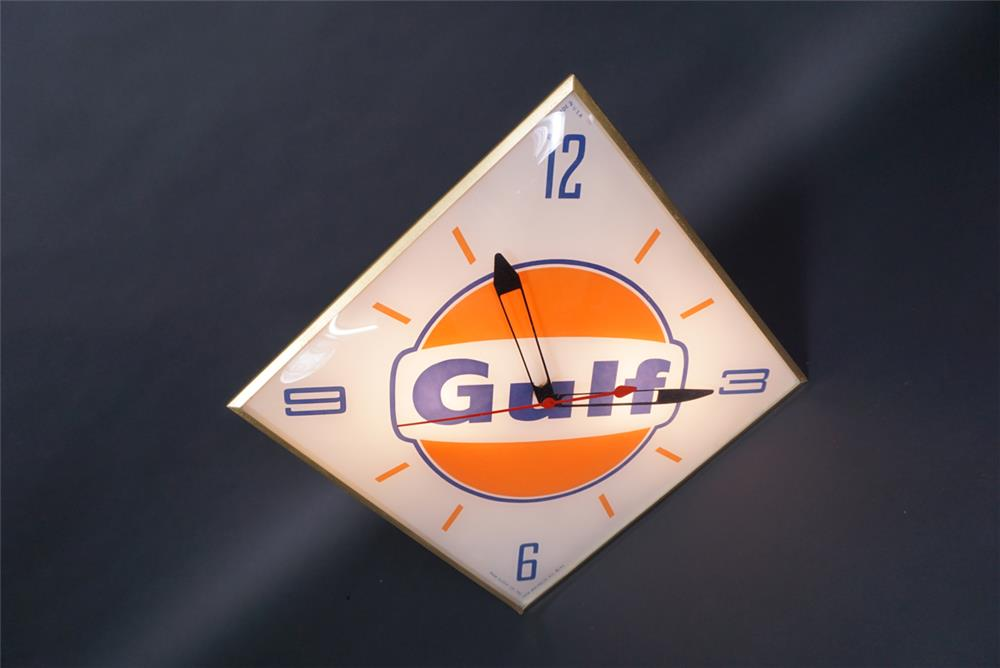 1963 Gulf Oil service station light-up clock with logo. - Front 3/4 - 190751