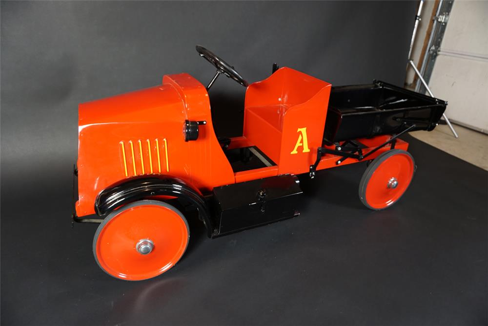 """Hard to find 1925 American National """"Mack"""" five ton dump truck. - Front 3/4 - 190996"""