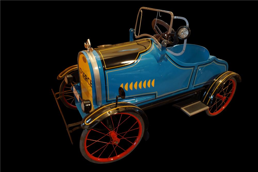 Scarce 1920s restored American National Pierce Arrow pedal car. - Front 3/4 - 191087