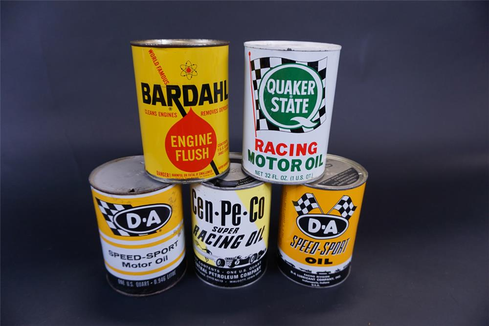 Lot of five different 1960s metal oil quart cans consisting of Quaker State, Bardahl, D-A, and CenPeCo. - Front 3/4 - 191430