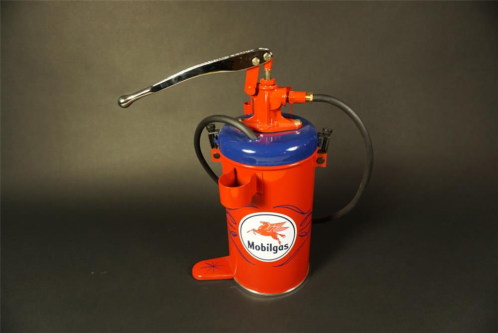 Beautiful restored 1940s-50s Mobil Oil service department balcrank five gallon greaser. - Front 3/4 - 191547