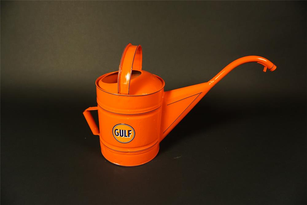 Restored 1940s Gulf Oil service department radiator/water service can. - Front 3/4 - 191562
