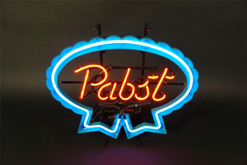 Very clean vintage Pabst Beer neon tavern sign. - Front 3/4 - 191592