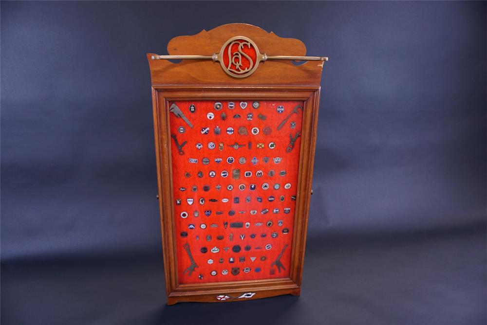 Amazing 1920s-60s automotive showroom salesmen pins display board - Front 3/4 - 191781