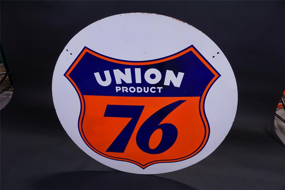 Very uncommon Union 76 double-sided porcelain service station sign. - Front 3/4 - 191840