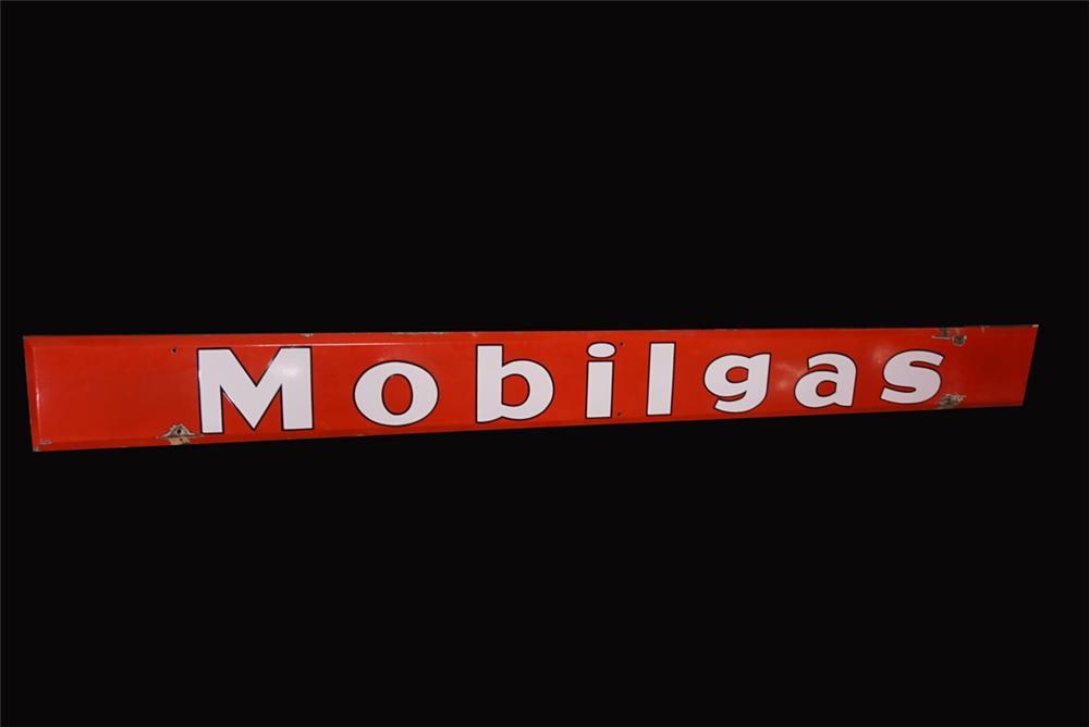 Large Mobilgas single-sided horizontal porcelain service station sign. Great gloss and vivid color! - Front 3/4 - 191943