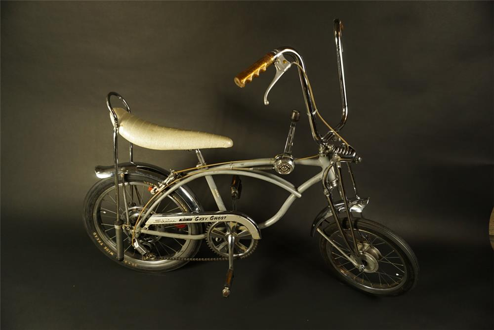 "Cool Schwinn Sting-Ray Krate bike ""Grey Ghost"". - Front 3/4 - 192071"