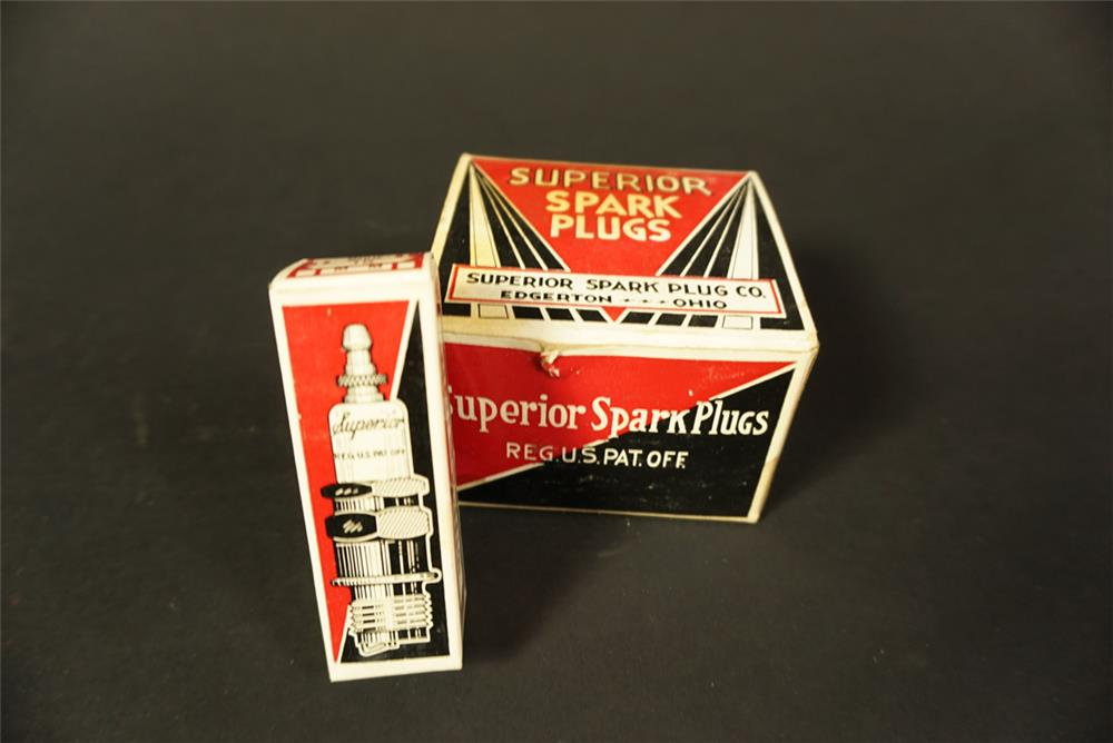 Rare 1930s Superior Spark Plugs filling station countertop display box still full of unused plugs - Front 3/4 - 192127