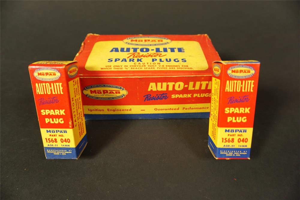 Highly prized 1950s Mopar Auto-Lite Spark Plugs service department countertop display box. - Front 3/4 - 192133