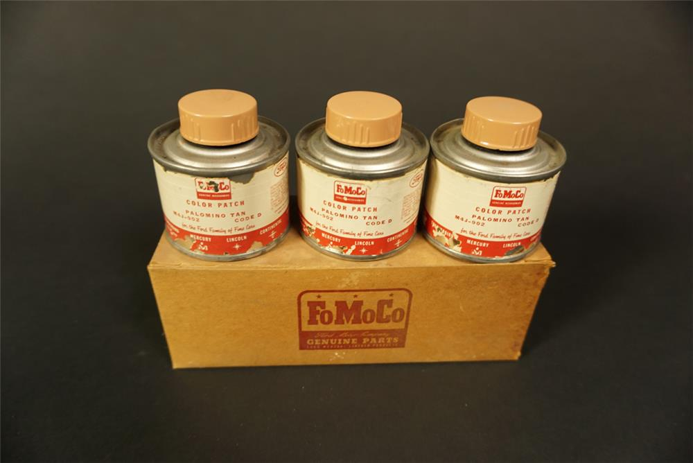 NOS 1950s Ford FoMoCo Genuine Parts touch-up display kit for Palomino Tan. - Front 3/4 - 192139