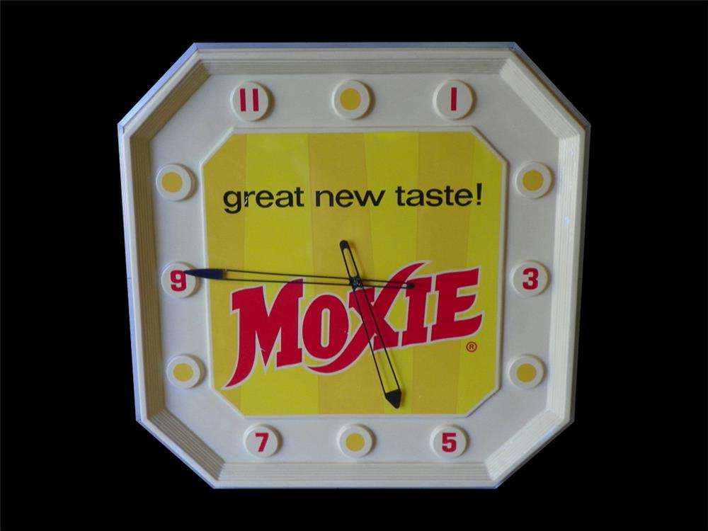 """1960s Drink Moxie """"Great New Taste"""" diner advertising clock. - Front 3/4 - 192309"""