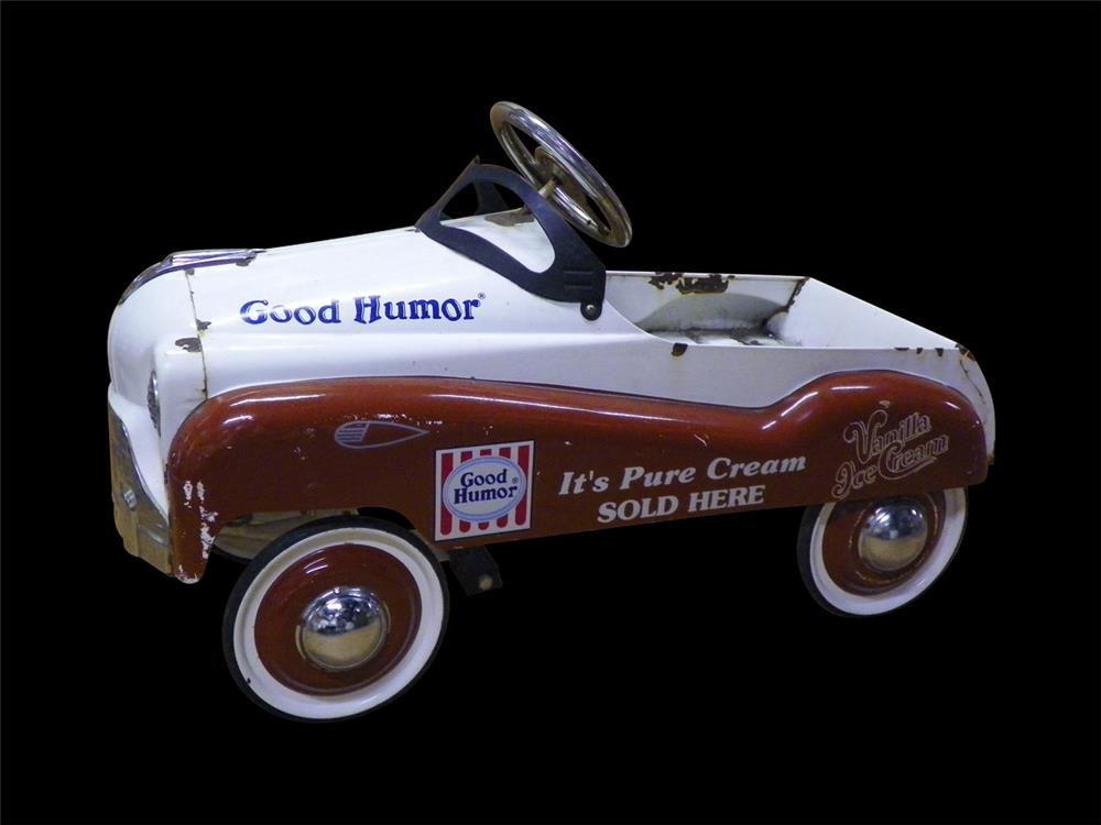 All-original 1950s Good Humor Ice Cream advertising pedal car. - Front 3/4 - 192310
