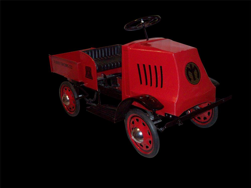 Stunning 1929 Mack Playboy Trucking Company dump truck pedal car. - Front 3/4 - 192332