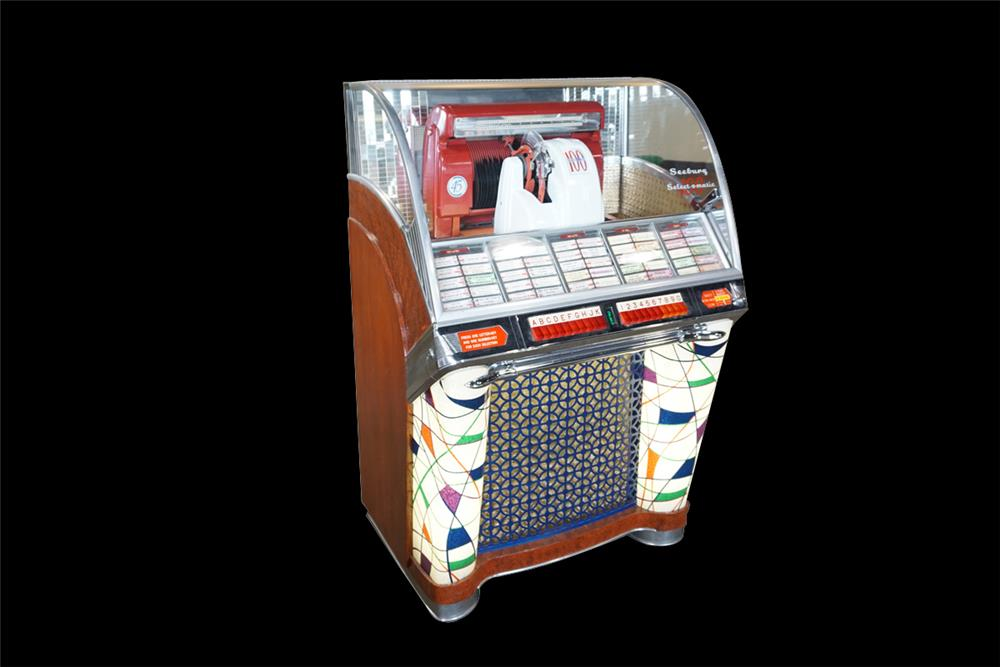 Wonderful 1953 Seeburg Model G restored 100-selection 45 rpm diner jukebox. - Front 3/4 - 192399