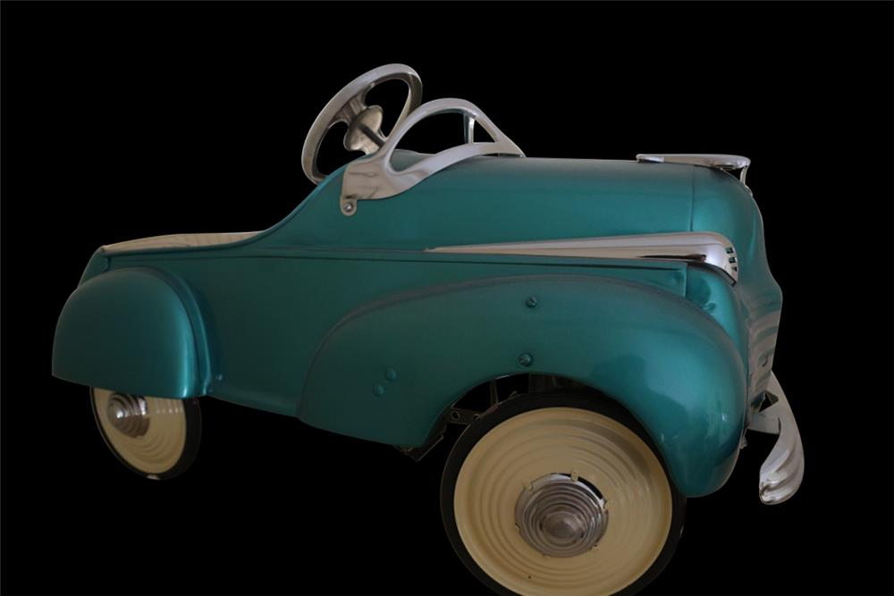Perfectly restored 1941 Murray Steelcraft Chrysler pedal car. - Front 3/4 - 192427
