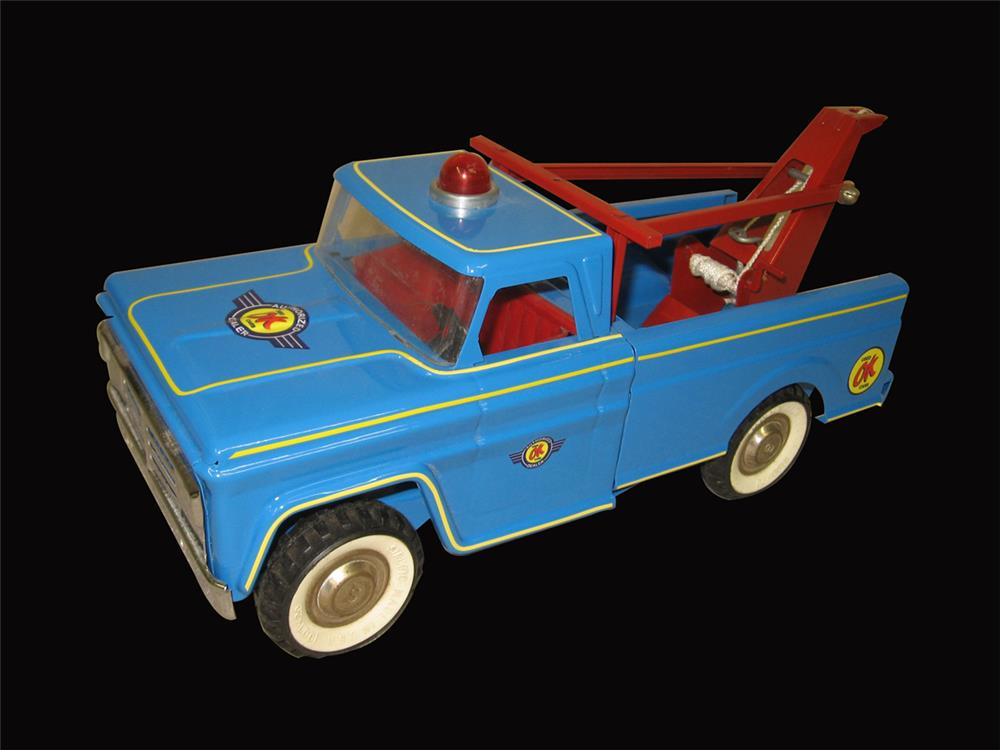 Nifty Structo Toys Tow Truck restored and customized an a Chevrolet OK Used Cars service truck. - Front 3/4 - 192442