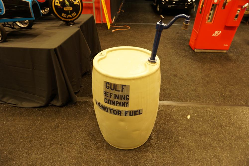 Addendum Item - Vintage 1920s-30s Gulf Oil 55 Gallon oil dispenser with hand crank. Drum is embossed with Magnolia Oil Company. - Front 3/4 - 193765