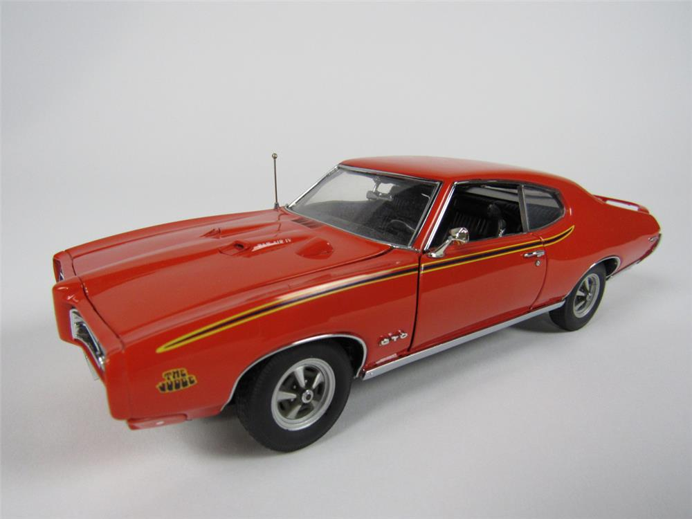 1969 Pontiac GTO Judge Danbury Mint 1:24 scale diecast model - 208514