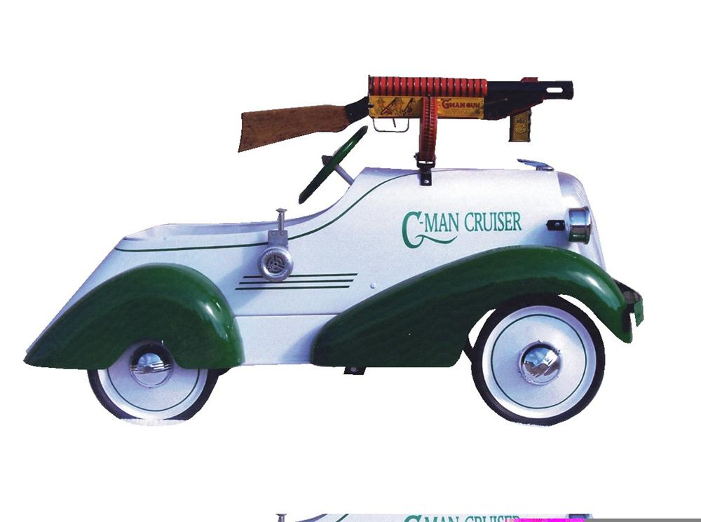 Clever 1936 G-Man Cruiser by Toledo including G-Man gun by Marx. - Front 3/4 - 45979