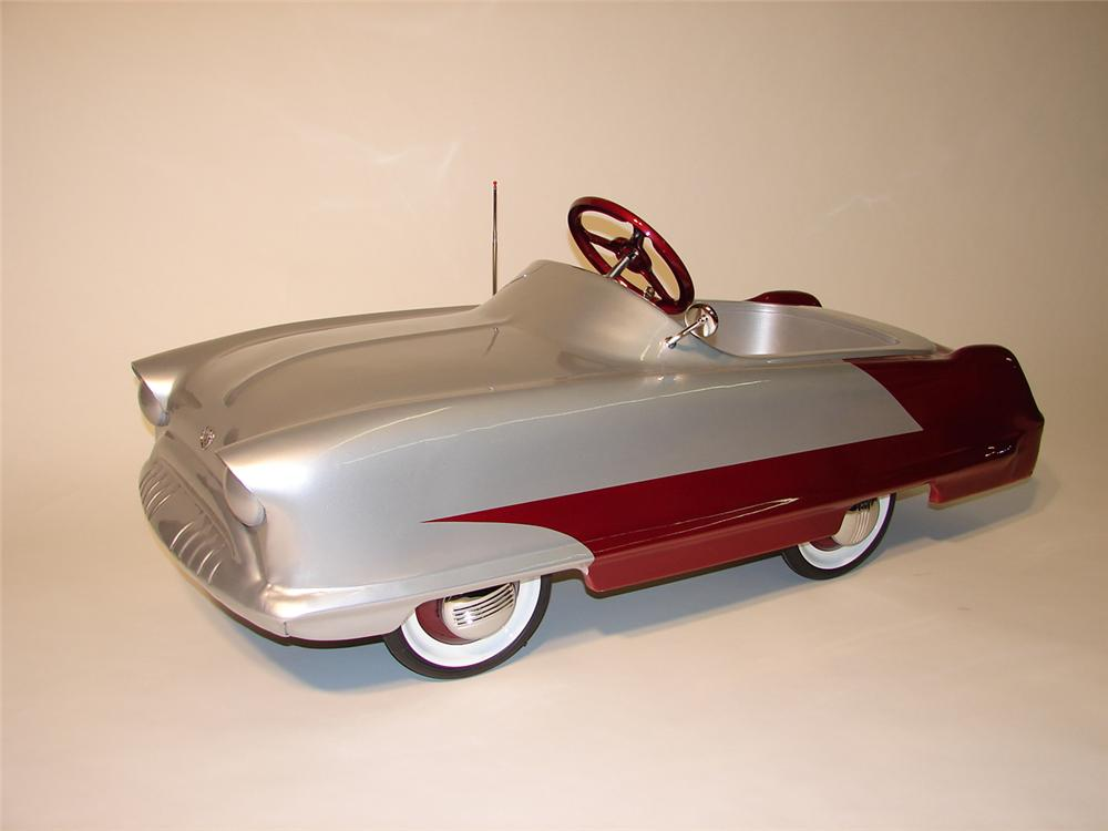 Fun 1953 Kidillac pedal car by Garton manufacturing. - Front 3/4 - 46036