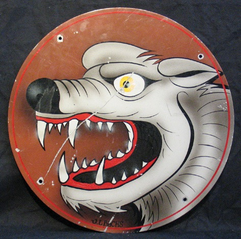 Von Dutch Custom Painted Sign with Image of Snarling Dog. 51 x 51 cm. (19.89 x 19.89 in.) NO RESERVE. - Front 3/4 - 46332