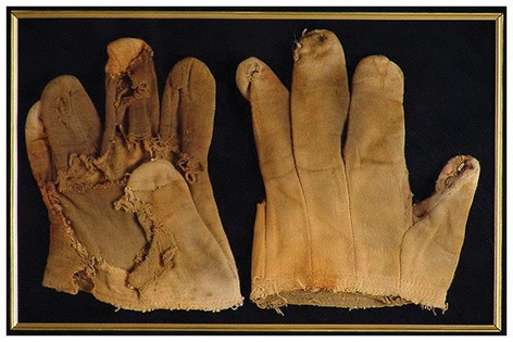 "Bert Lahrs (""Cowardly Lion"") ""Wizard of Oz"" Original Movie Worn Gloves. - Rear 3/4 - 46453"